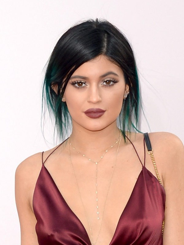 kylie-jenner-american-music-awards-2014-amas1